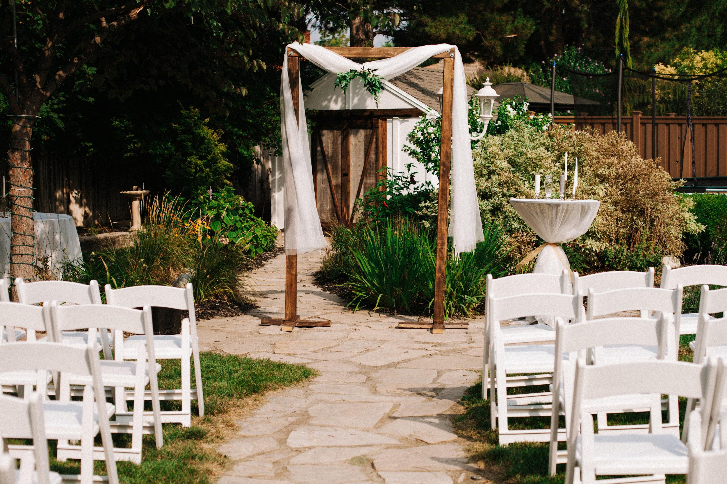 Wedding altar, wedding ceremony inspiration, backyard wedding inspiration, Salt Lake City wedding, Salt lake city wedding photographer, Utah wedding, Utah wedding photographer