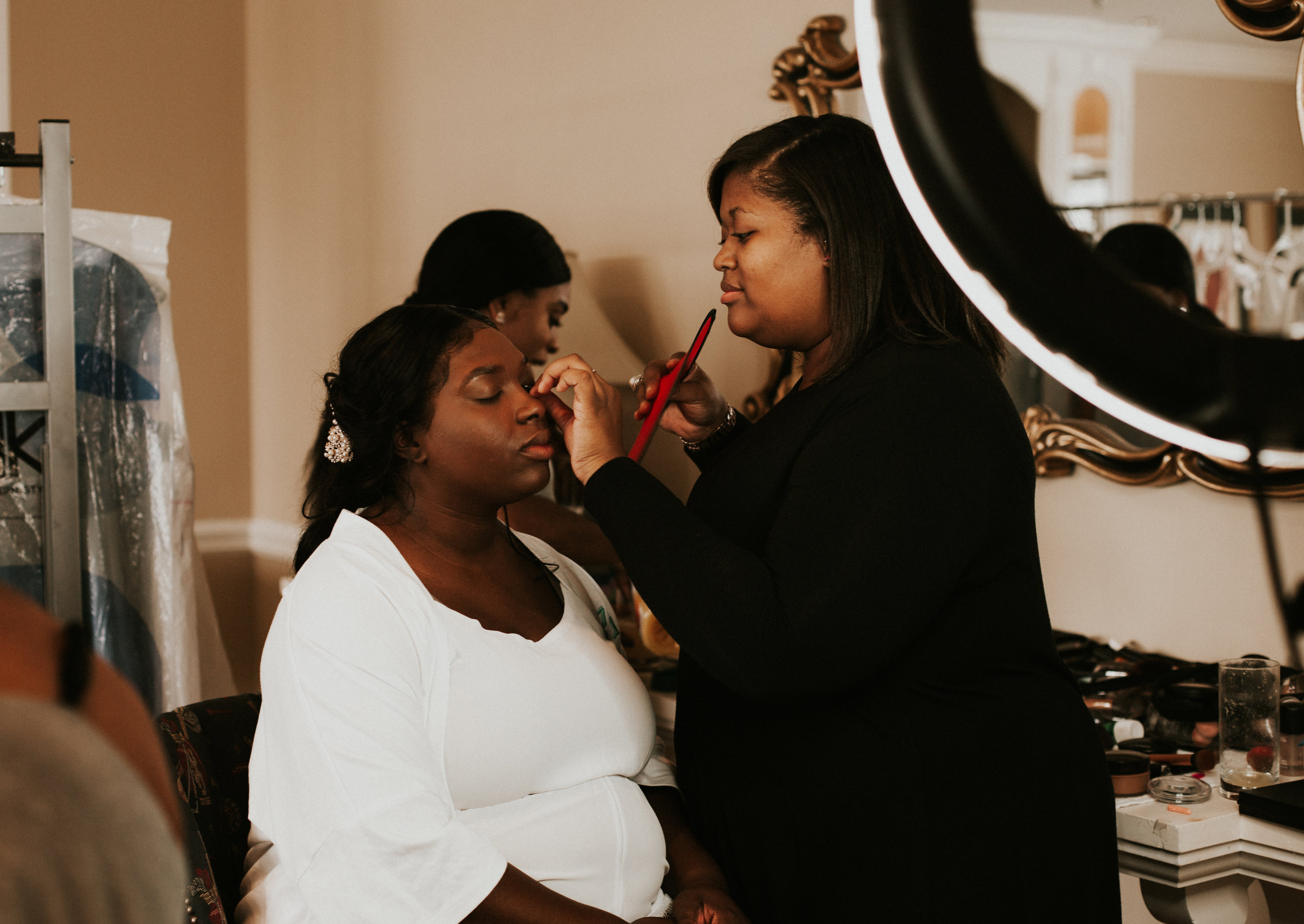 Getting ready photos at the Hope Valley Country Club, Raleigh NC | Fall wedding | Marina Rey Photography