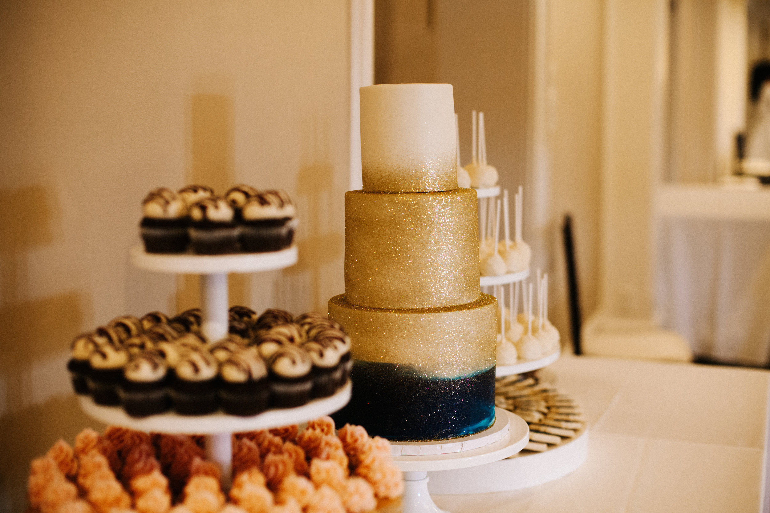 Hope Valley Country Club, Raleigh NC | Fall wedding | Wedding reception photos | Wedding cake | Marina Rey Photography