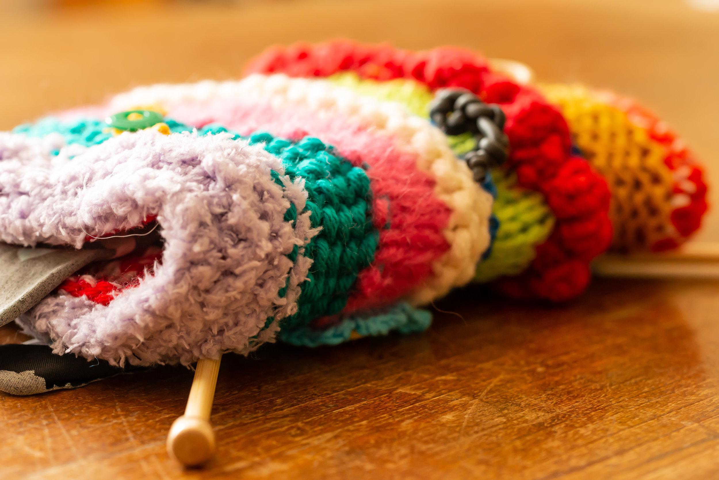 Les made-laines - Ensemble, tricotons le fil de la solidarité