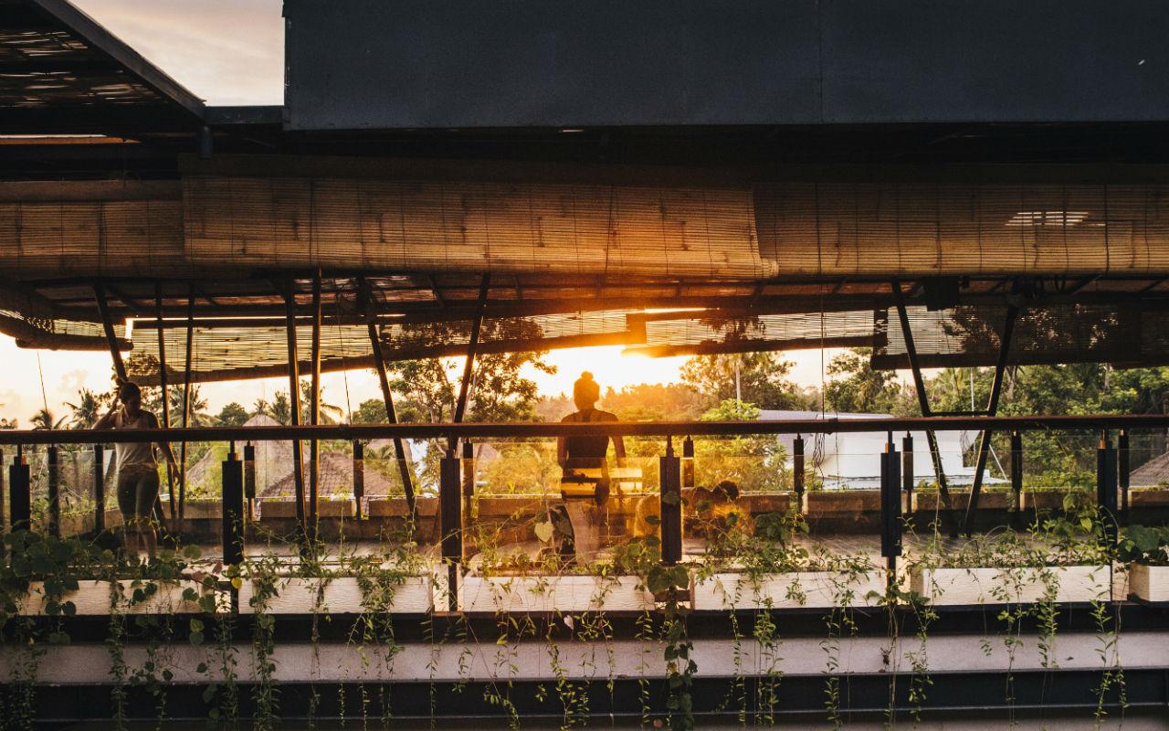 bali-coliving-carousel-rooftop-yoga-4.jpg