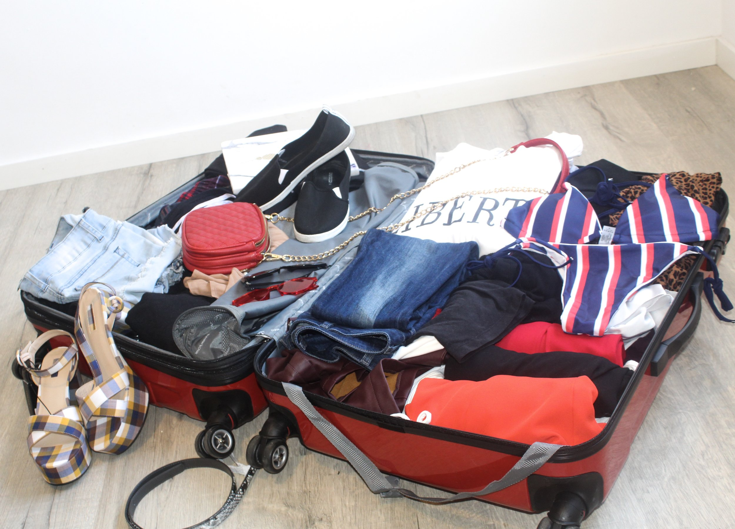 What to pack for a summer abroad - My tips and tricks for getting the most out of your packing decisions