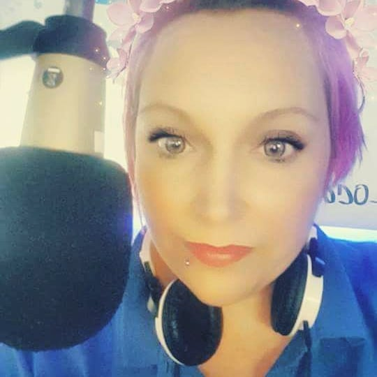 MEET THE TEAM - LOUISE (SMITHY)  I'm Louise 38 years old mother of 4 : ) i was born at the Q.E hospital in Gateshead and i have a twin brother called Raymond. I moved to Newbiggin by the sea 15 yrs ago and love the place.  Presents: I'm Producer Louise aka Zippy on the breakfast show with Jeff And i also have my own show Saturday with Smithy 6 till 9pm every saturday. I play the very best 90's dance remixes, mashups, megamixes, all sorts  Favourite band: Queen (can always remember hearing him singing at gateshead stadium when i was a youngin)  Favourite song: snap - welcome to tomorrow  Favourite film: The Goonies and Labyrinth  Favourite biscult: Digestive (boring i know)  Random fact about me: The fact is i'm 100% Cool and i have Pink hair😎😎