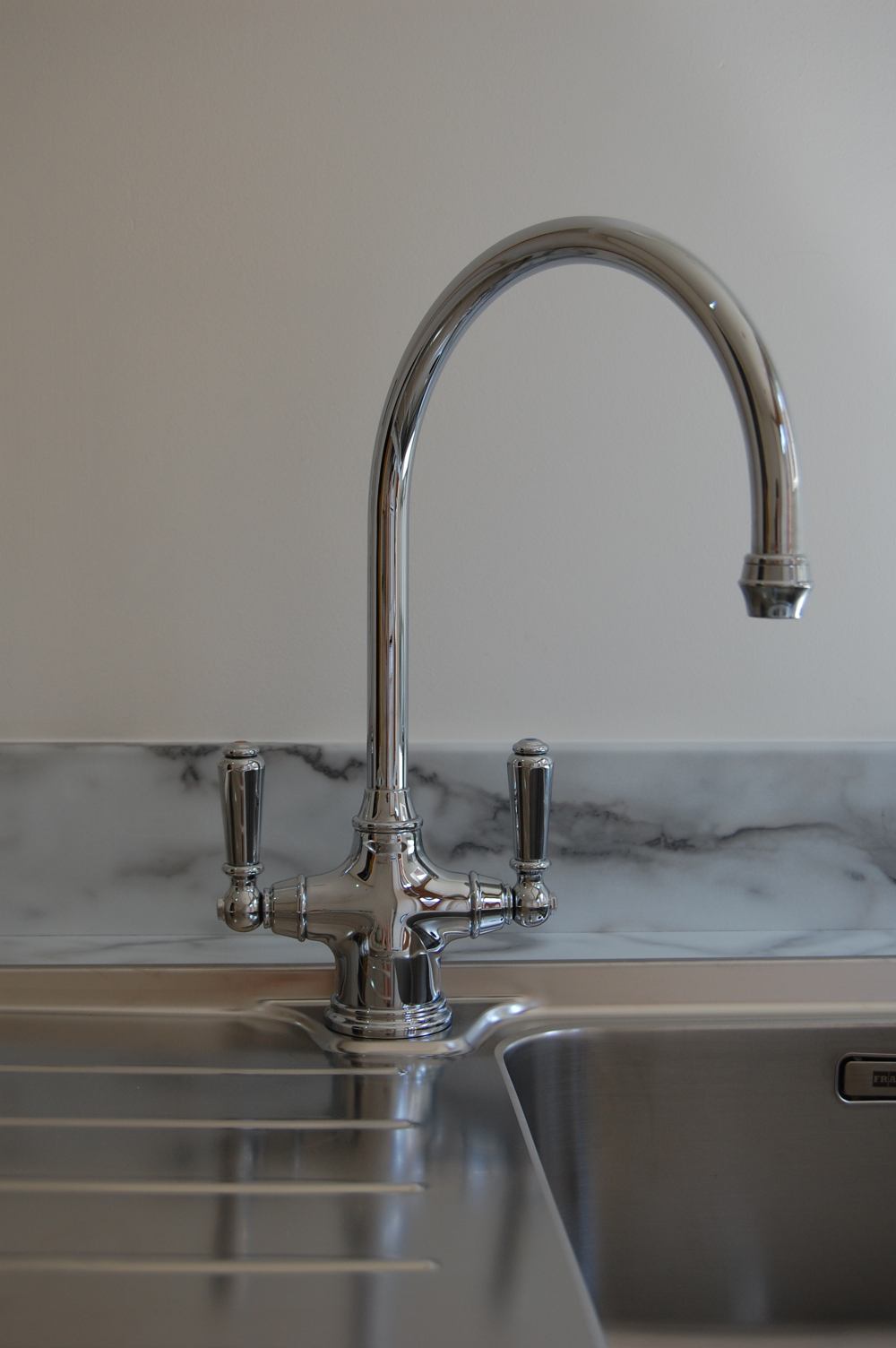 designer-polished-chrome-taps.jpg