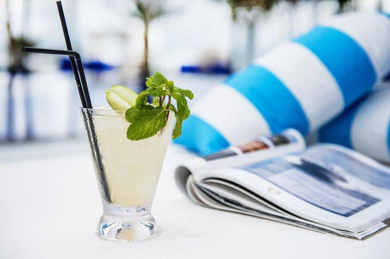 club_akyra_-_signature_cocktail_2_p.jpg