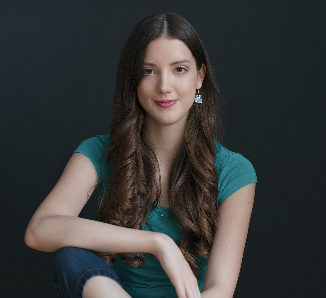 Melanie K. - Team Translator