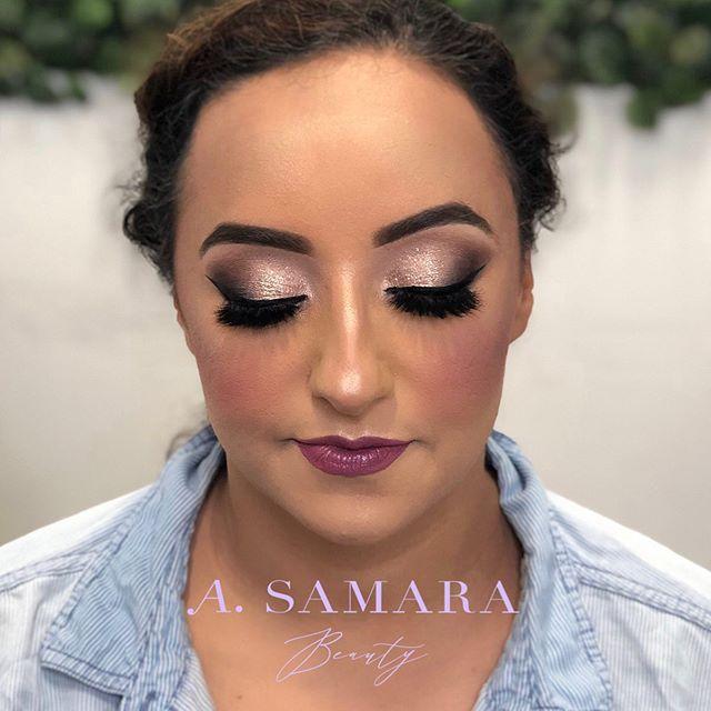 My signature bridal glam- No trial just trust ✌🏽 . . . #chicagomakeupartist #makeup #mua #anastasiabeverlyhillsbrows #bridalmakeup #indianwedding #indianmakeupartist #milwaukee #milwaukeemakeupartist #chicago #chicagomua #softbridalmakeup #bridalmakeup #dupatta #fiercesociety #flawless #flawlesssdolls #undiscovered_muas #redlip #classic #bridalglam #bride #partymakeup #arabmua #arabmakeupartist #shophudabeauty #anastasiabeverlyhills #muamke #mkemua