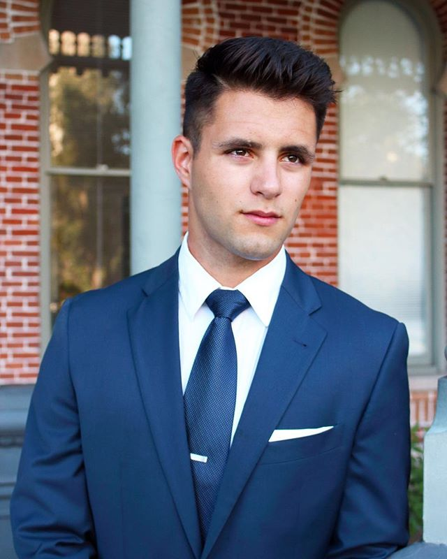 Throwback to when I took headshots for @uoftampa Student Government @utampasg // Show up. Dress up. Never give up.