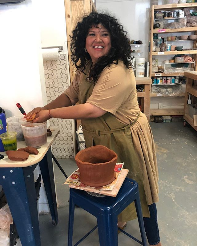 ❤️❤️❤️the expression of sheer joy on @nopalette 's face as she helped to build community pottery vessels during my workshops at @pot_la this past weekend! #craftingcommunity . . . . #peopleofcolorpeopleofclay #communitypottery #potteryforall #sociallyengagedcraft #traditionalpottery #handmadepottery #pocartists #poctery #claylife #womenpotters