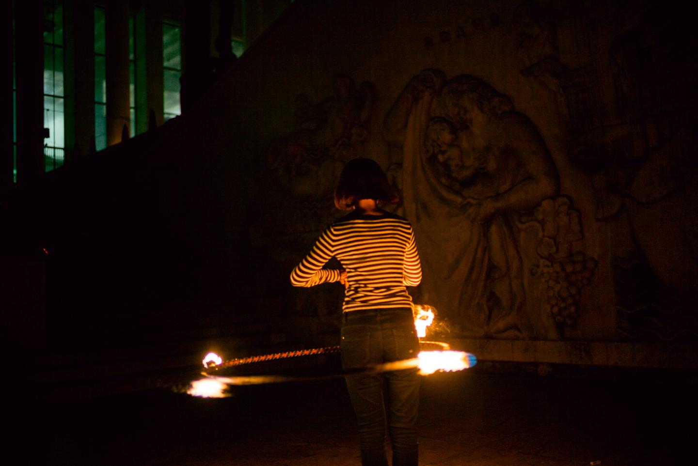 2014-8-Paris-Fire_Hooping-350.jpg
