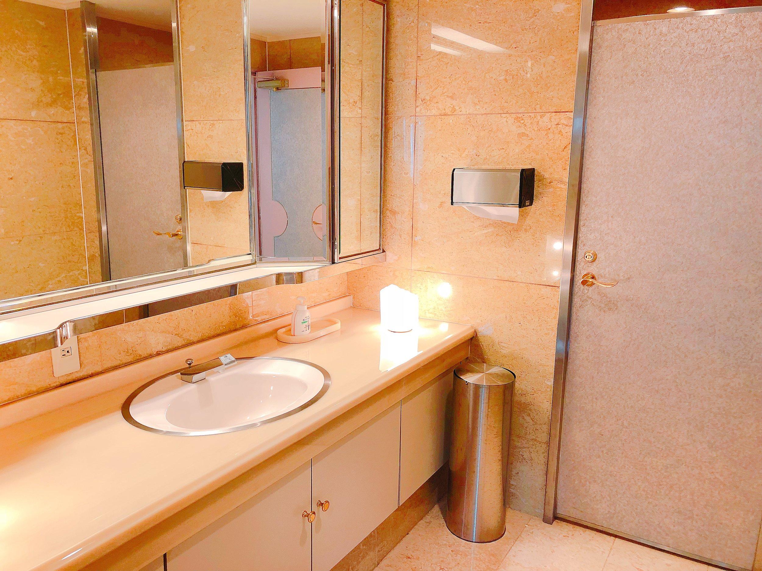 スイートルームのお手洗い