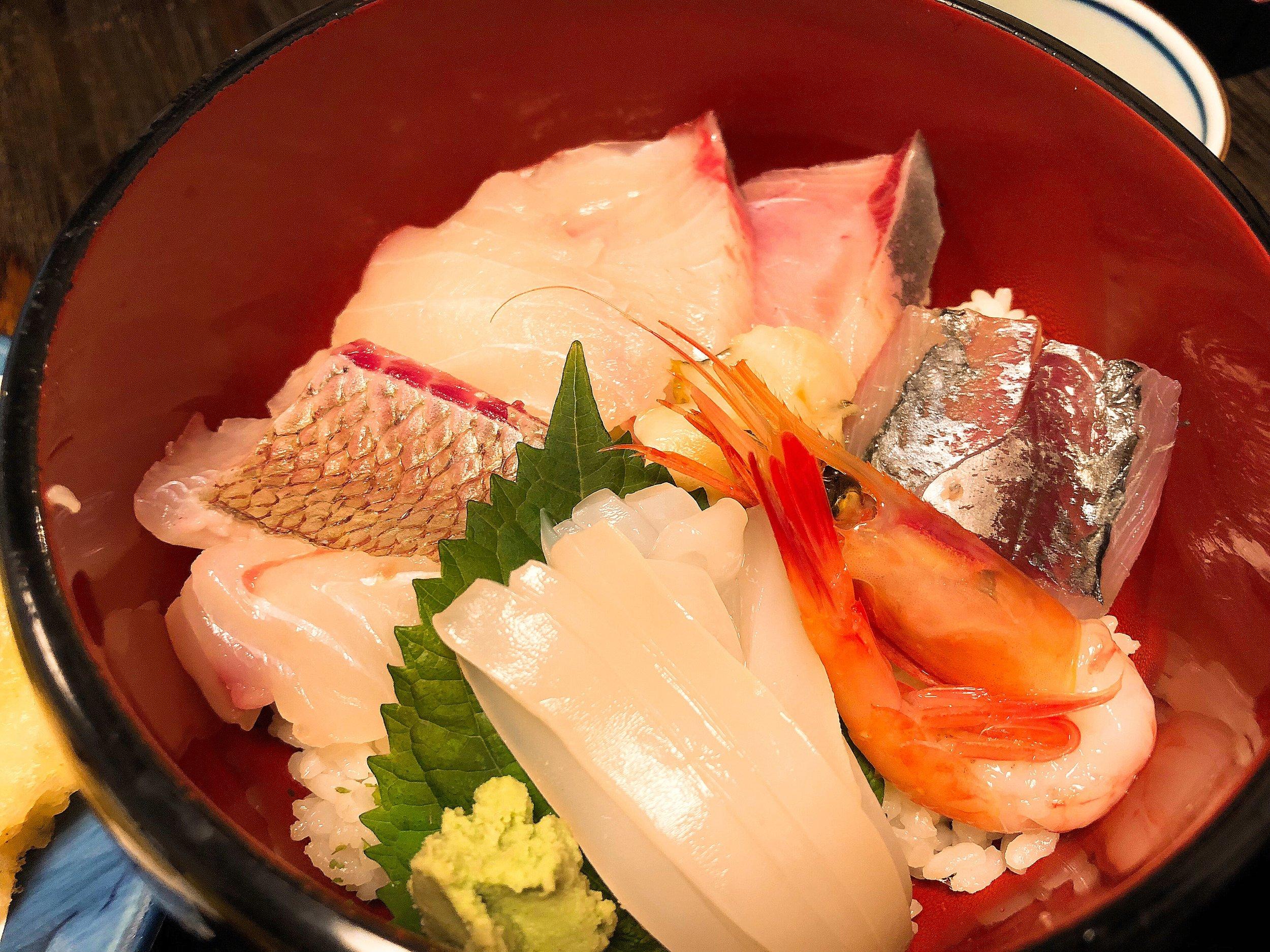 持田家の「持田家定食」 ミニ海鮮丼