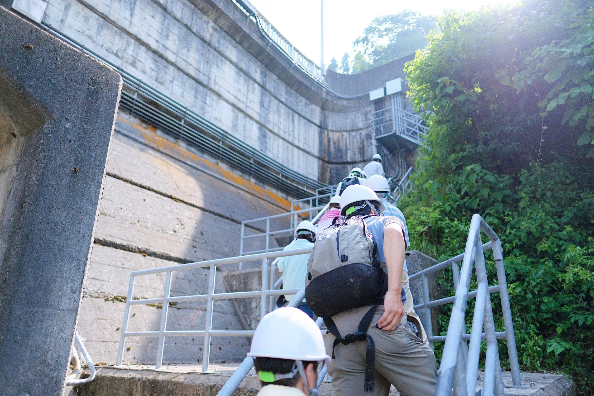 大野川ダム外階段