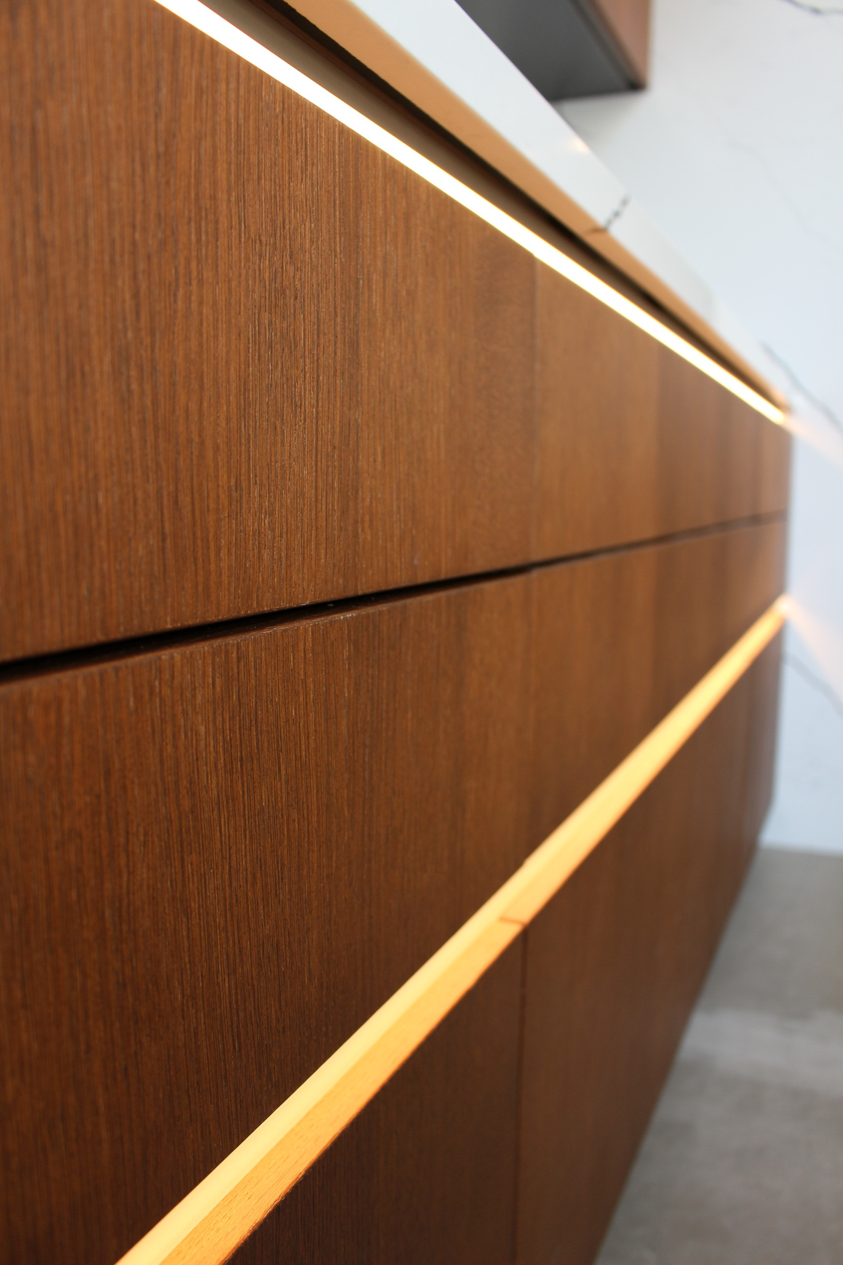 cabinet doors without handles