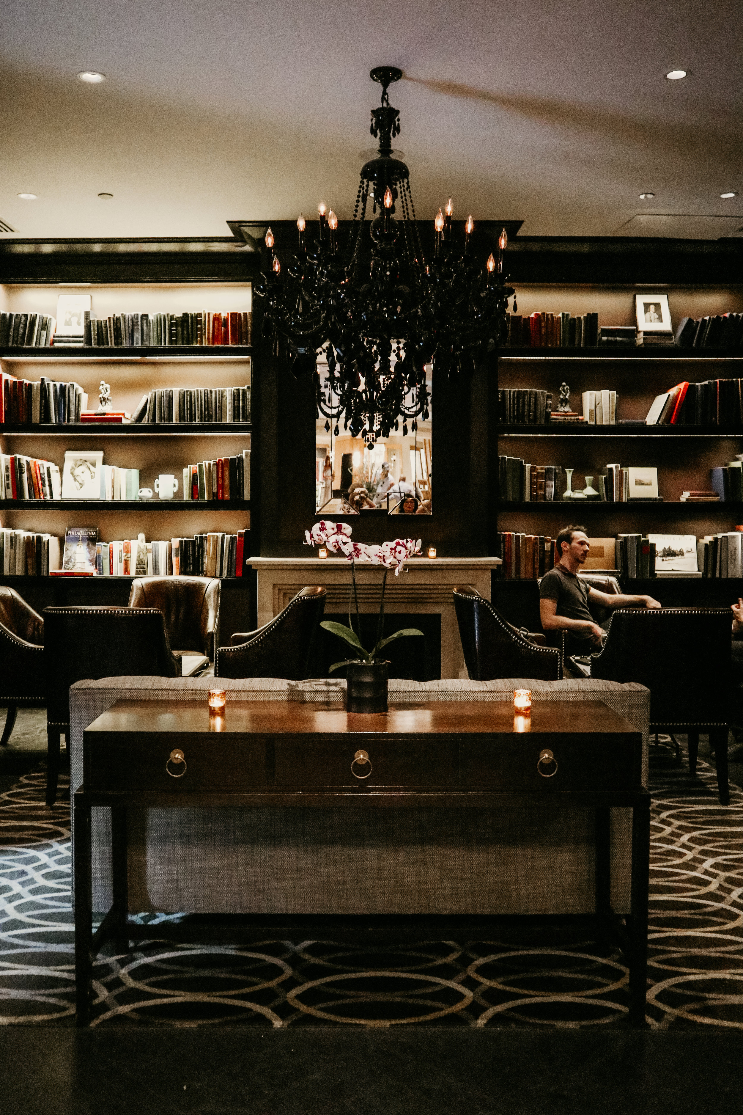 Library Bar at The Rittenhouse Hotel, 10K Dollar Day's pick for luxury stay in Philadelphia! - photo by Ash Burns