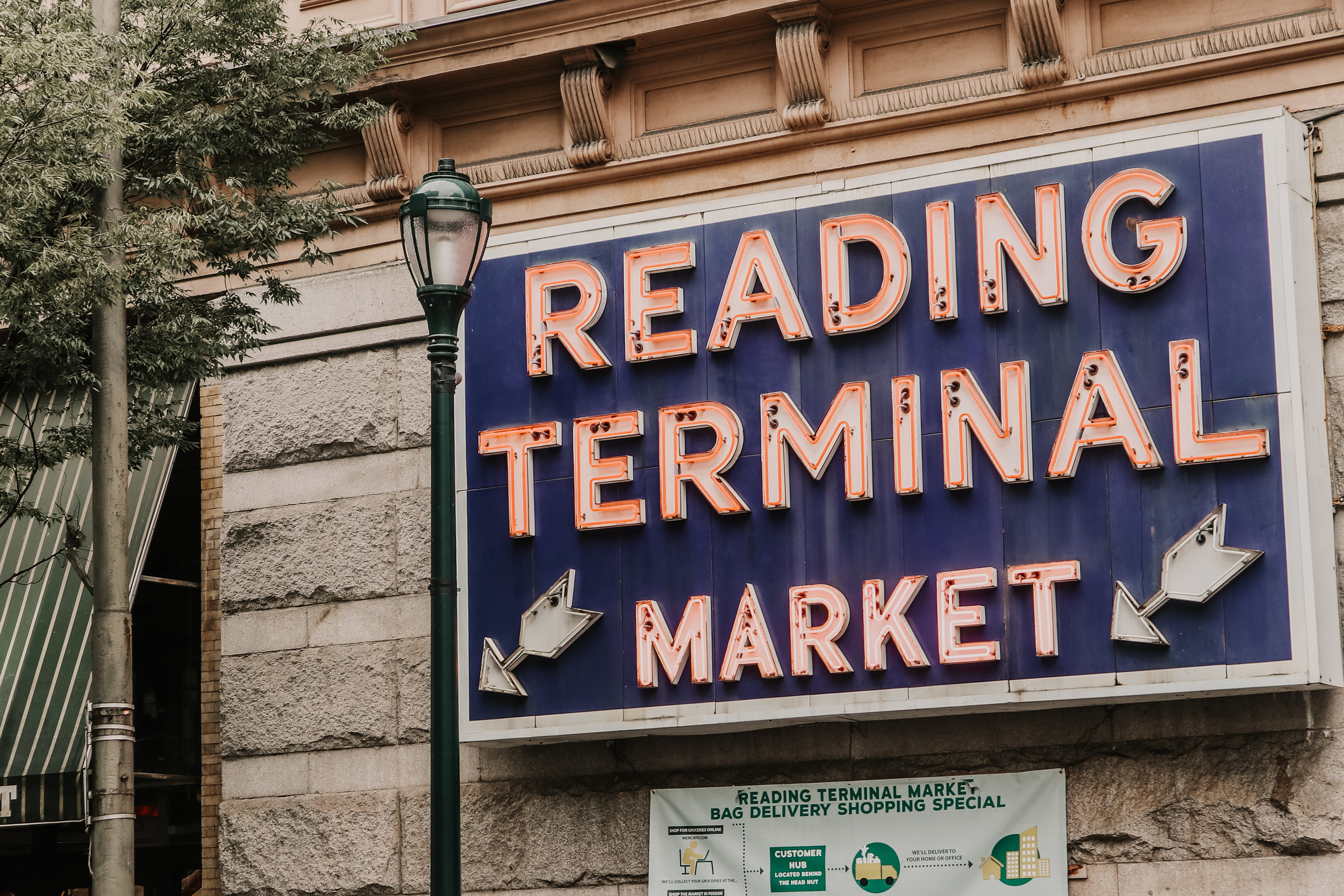 10K Dollar Day visits Reading Terminal Market in Philadelphia - photo by Ash Burns