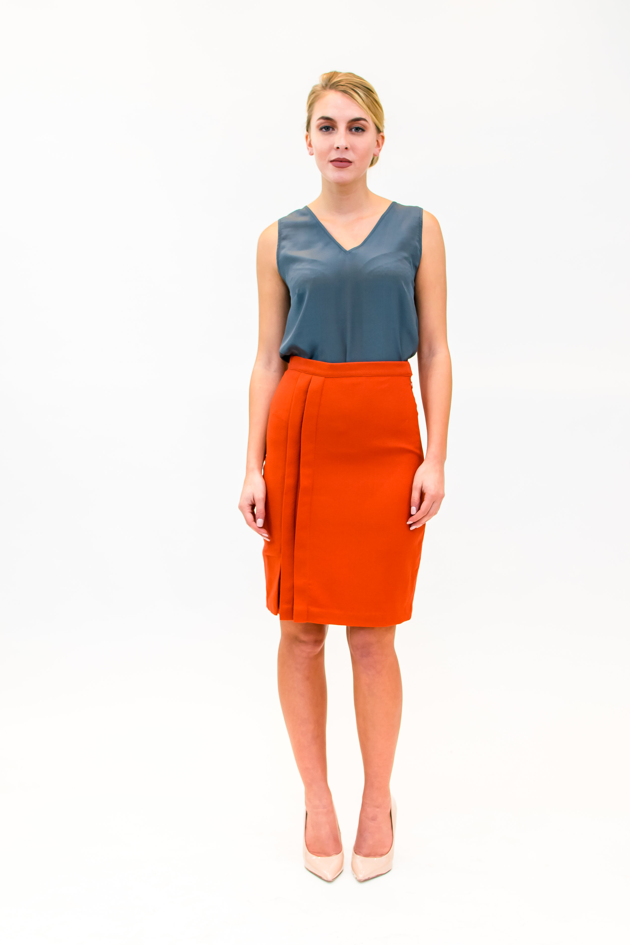Camisole & skirt with front pleat