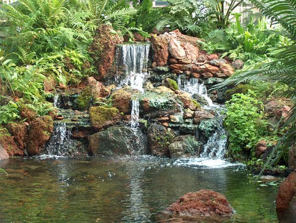 botanicalgardenswaterfallpond3.jpg