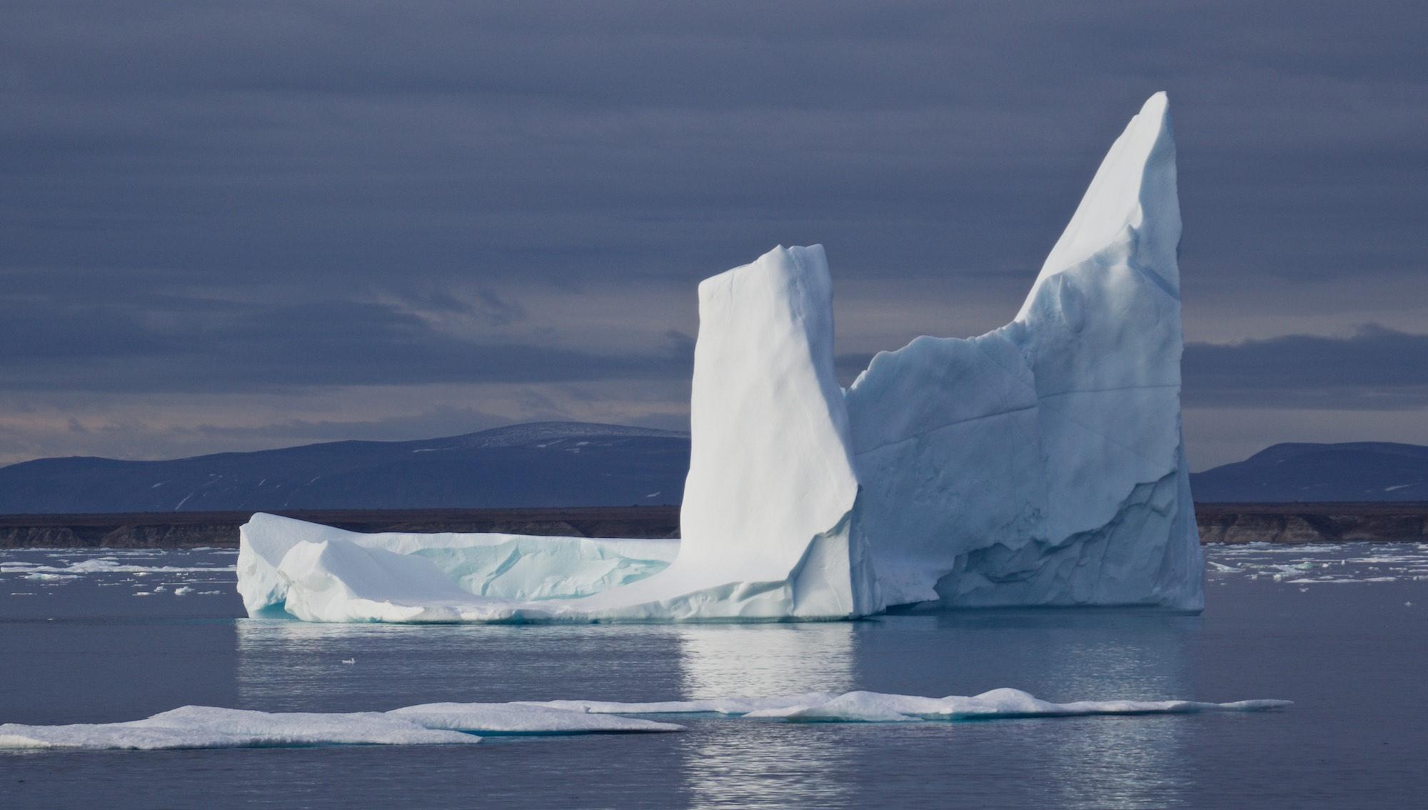 ITA-Awakening, Iceberg, David Strait, Nunavut, Cory Trepanier©2015.jpg