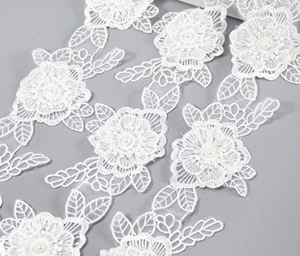 White flower lace trim -