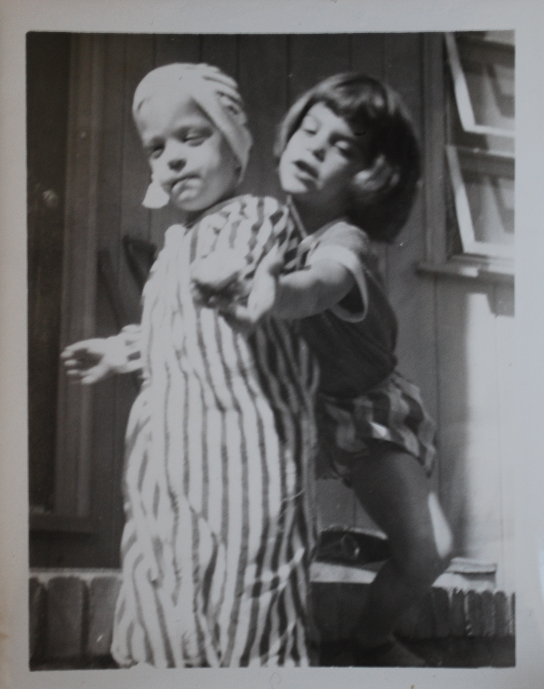 GA Photo 1954 (?) Gene and Elinor  DSC_1860.JPG