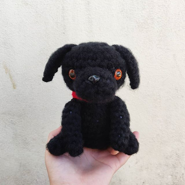 Sam 🐾 This was a commission for a wonderful human, and I thank you for entrusting me to recreate your best boy 💖. . .  #amigurumi #crochet #crochetersofinstagram #makersmovement #makersgonnamake #handmade #handmadewithlove #handcrafted #smallbusiness #shopsmall #crafty #dogsofinstagram #fiberart #labrador #yarnaddict #yarnlove #etsyseller #etsy #labradorsofinstagram #crochetartist #kawaiioftheday #kawaii #cute #crafts #yarncircus