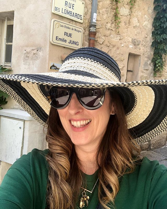 Dreaming of hot sunny days when my hat and glasses would cover half my face. #france#travel#provence#mougins#summer#sunshine#takemeback#holiday#dreams#love#wanderlust#throwbackthursday