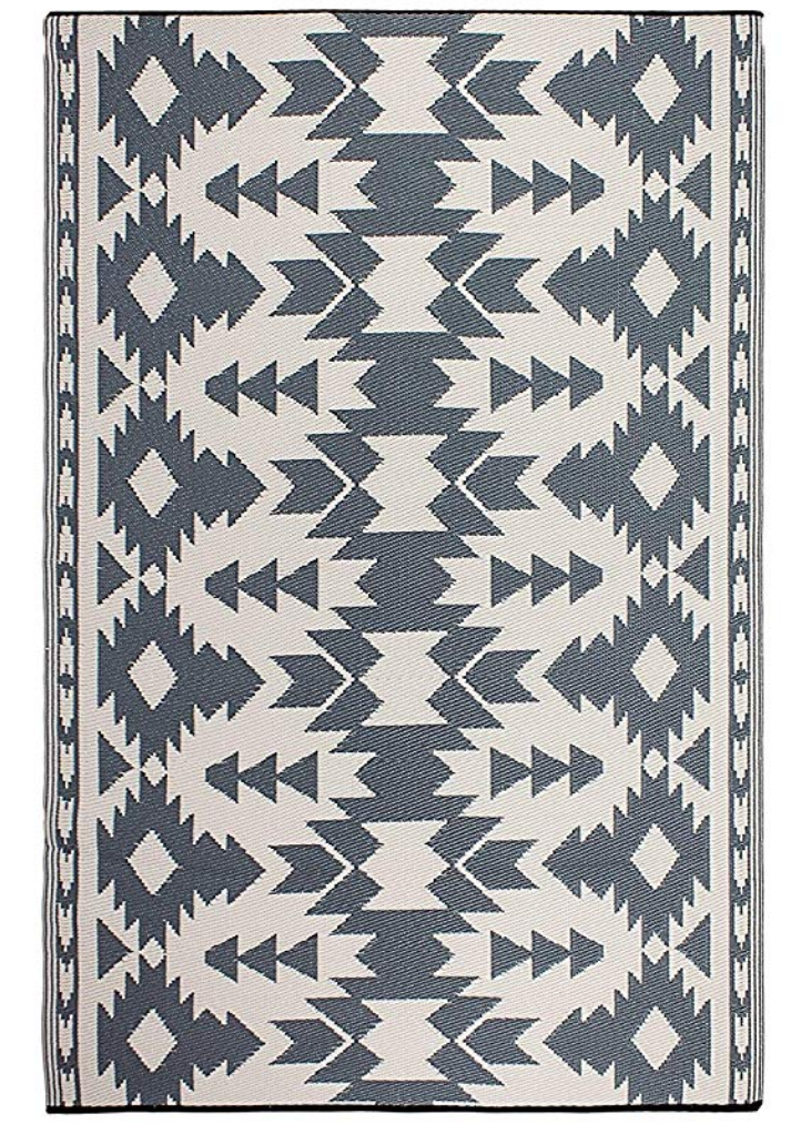 outdoor-rug-raleigh-patio-design