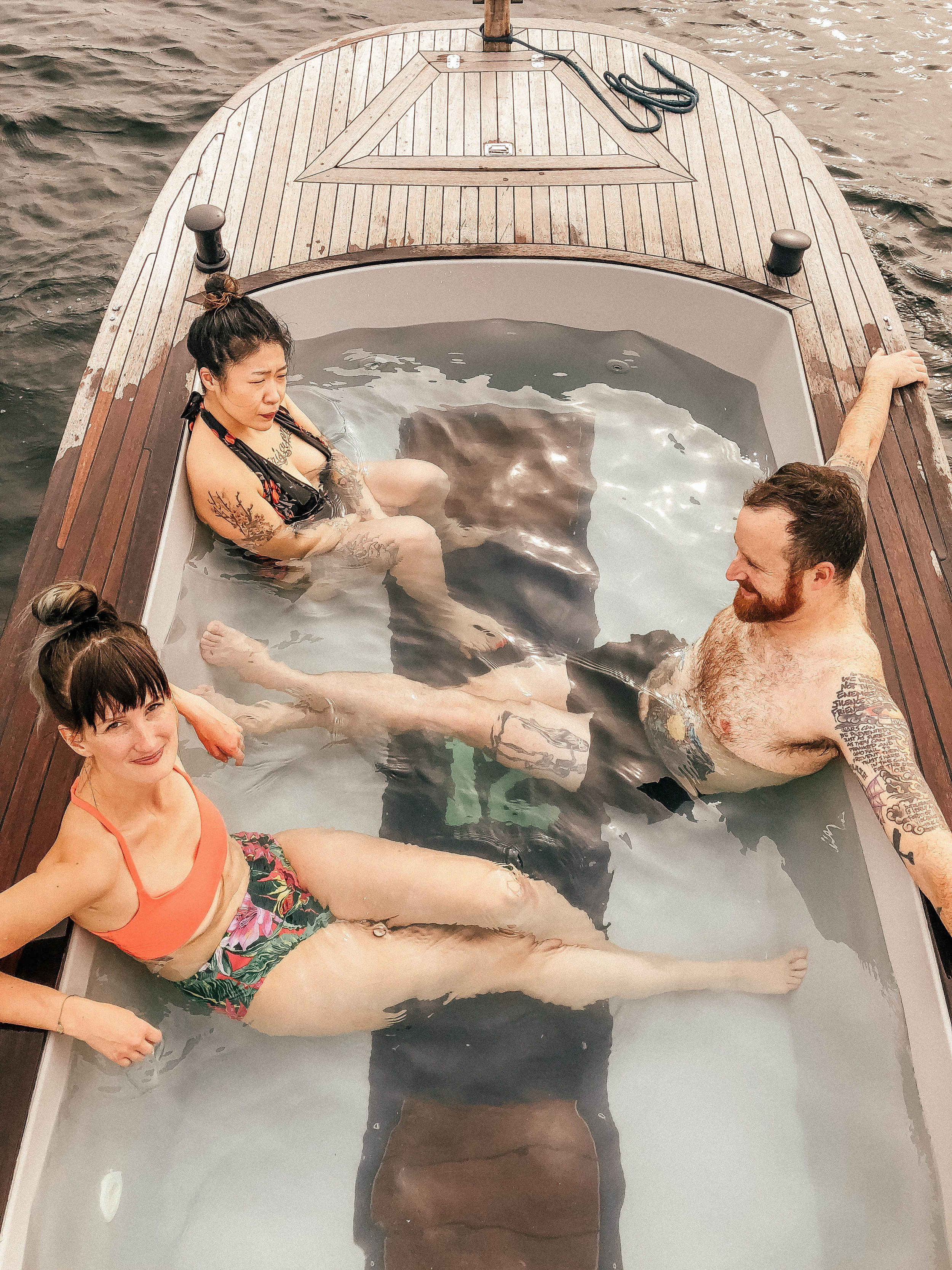 galavantgal_hottub_boat.jpg
