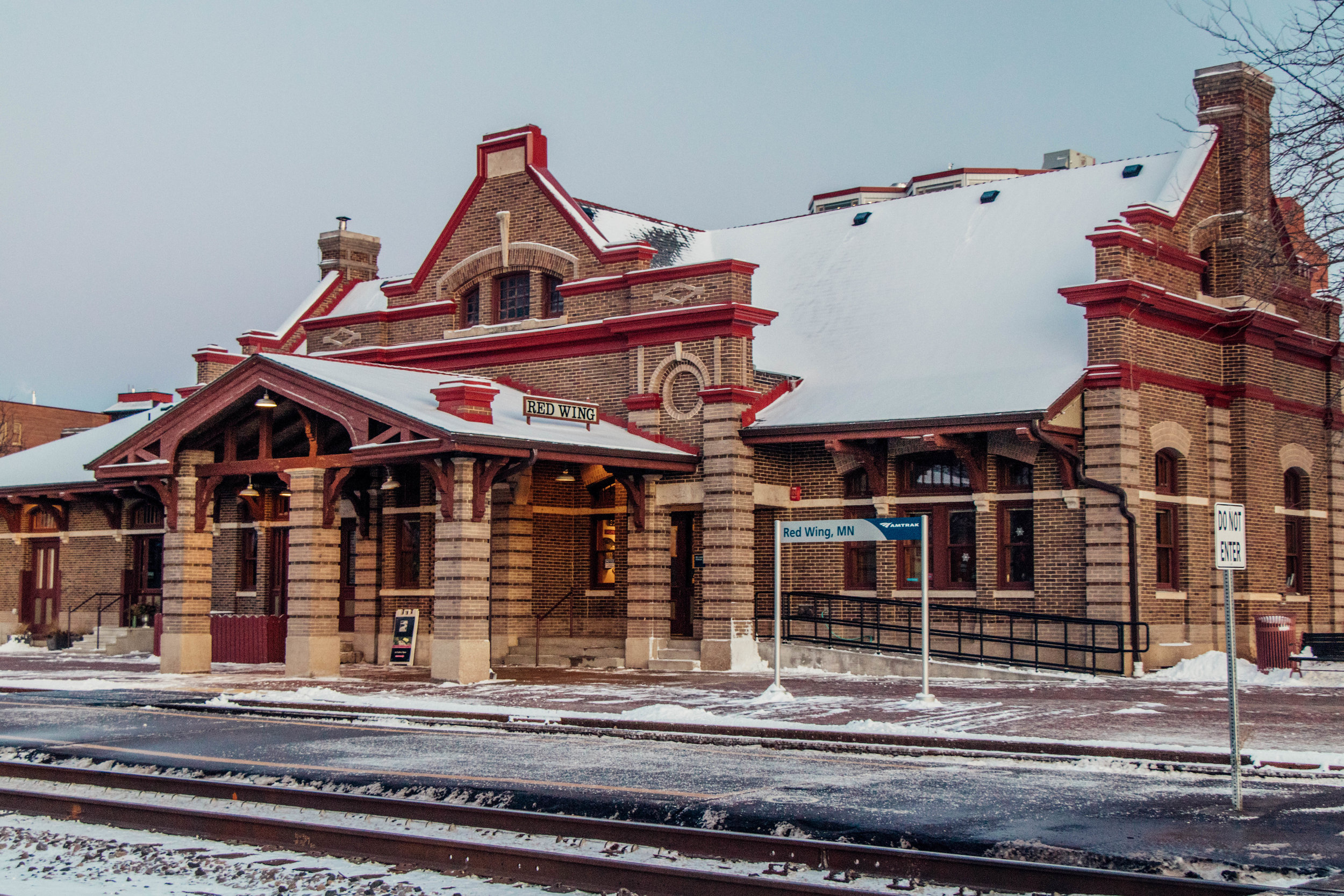 red_wing_train_station.jpg