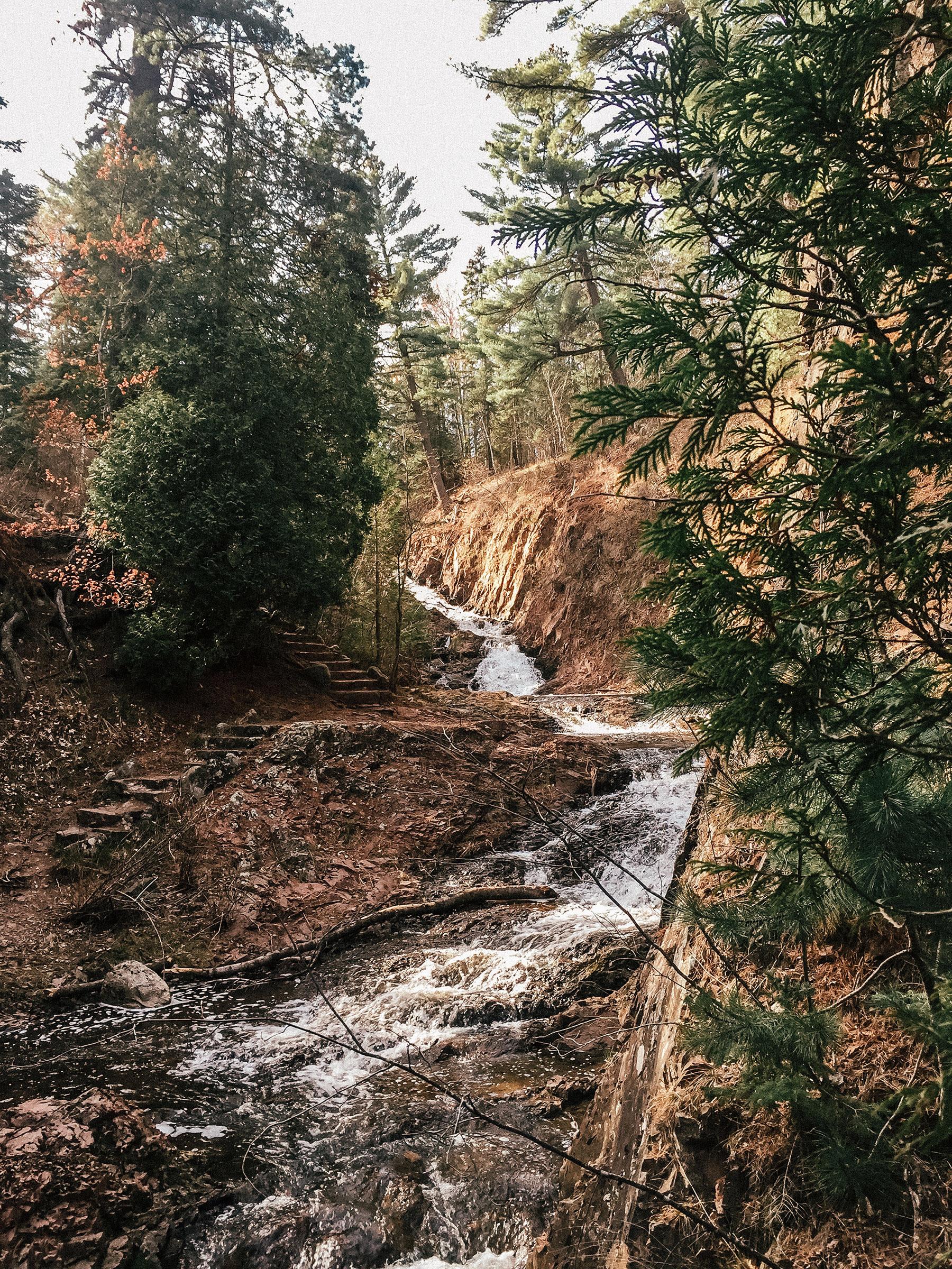duluth_hiking_1.jpg