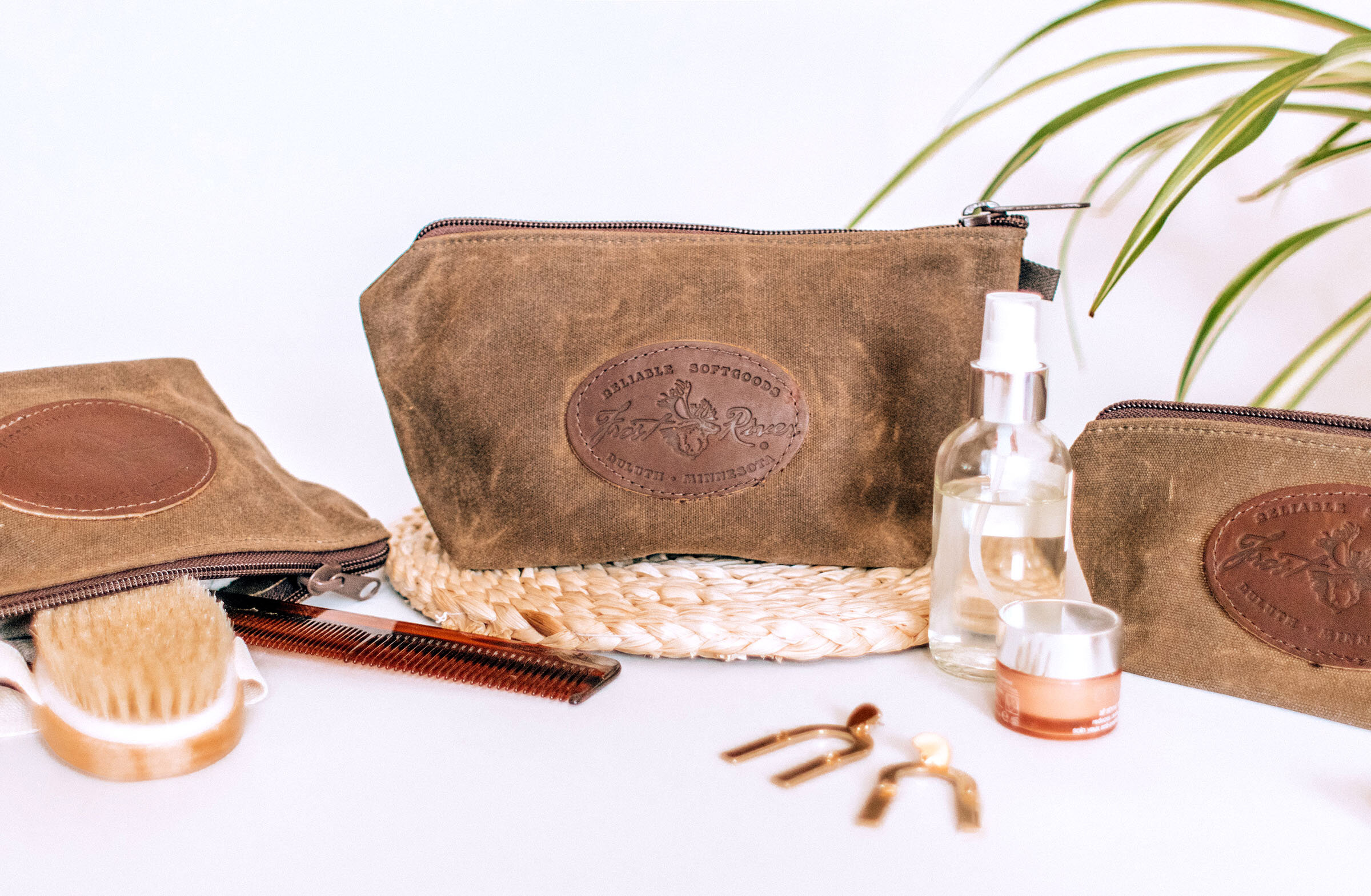 frost_river_accessories_pouch.jpg
