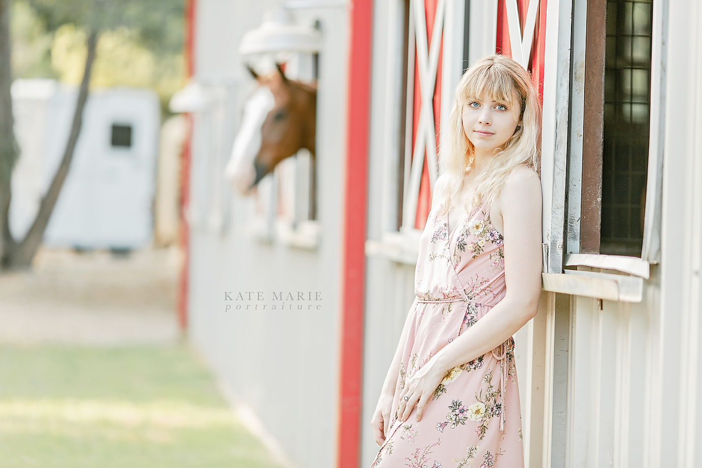 Dallas_Senior_Photographer_Flower_Mound_Senior_Portrait_Annie_01