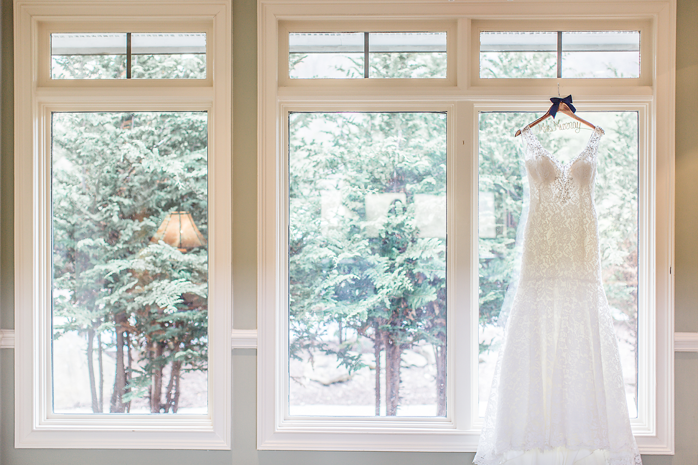 Dallas Wedding Photography Glassy Mountain Chapel Greenville South Carolina brides dress kate marie portraiture.png