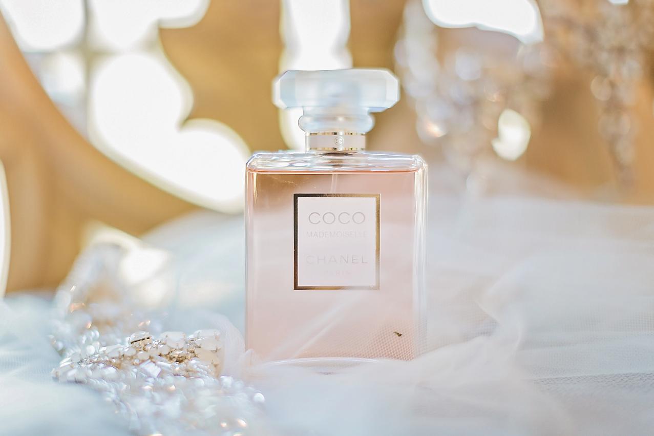 Dallas Wedding photographer Rustic Grace Estate bride perfume Kate Marie Portraiture.png