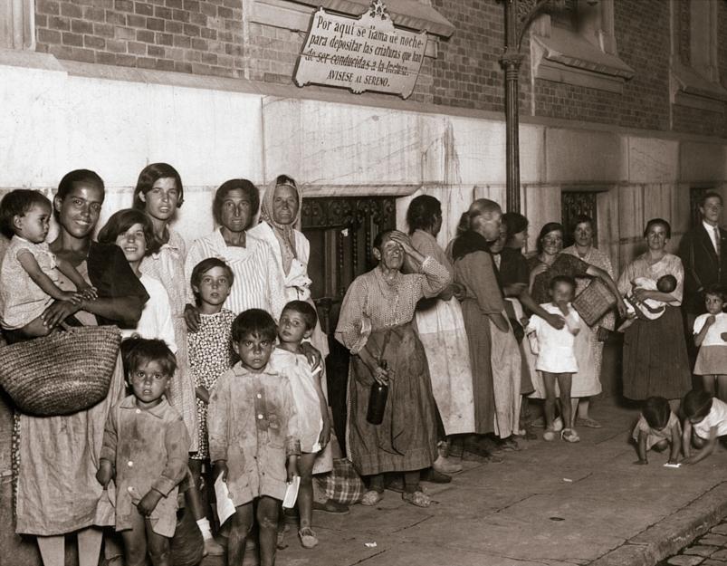 DÍAZ CASARIEGO. Refugio de la Santa Hermandad. Con un aforo de cuarenta personas. Madrid, septiembre de 1930