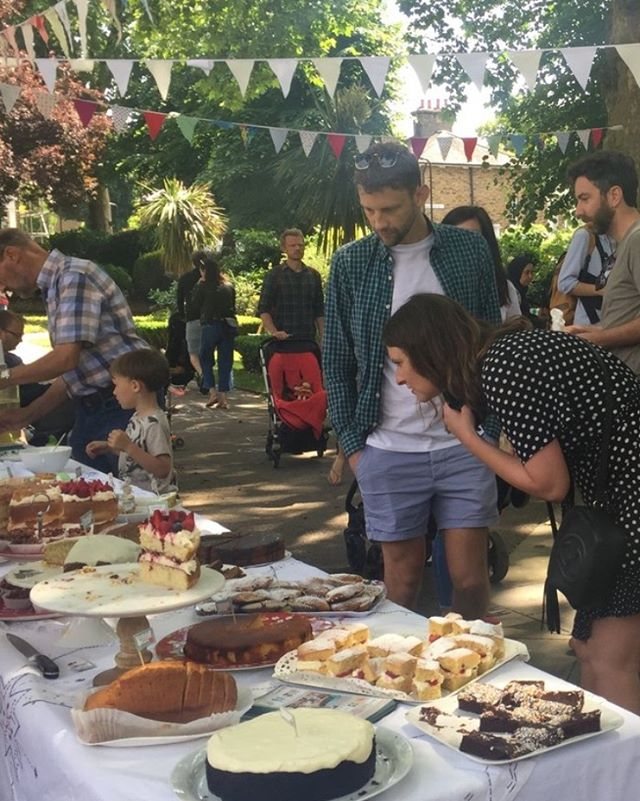 ☕️ and 🍰 in the square #albionsquare #hackney tomorrow SATURDAY 8th June 11.30-3pm 🍰☔️☕️🦋🍰🧁☕️ come and sit in the shade of the trees have a cuppa and eat some delicious cakes!!! Helping raise funds for GREEN QUEENSBRIDGE- providing  an inspiring landscape for the children of @queensbridgeprimary improving air quality in london ♥️🍰☕️☔️🦋😍🙏🏽🧁👌🏽🌱💫