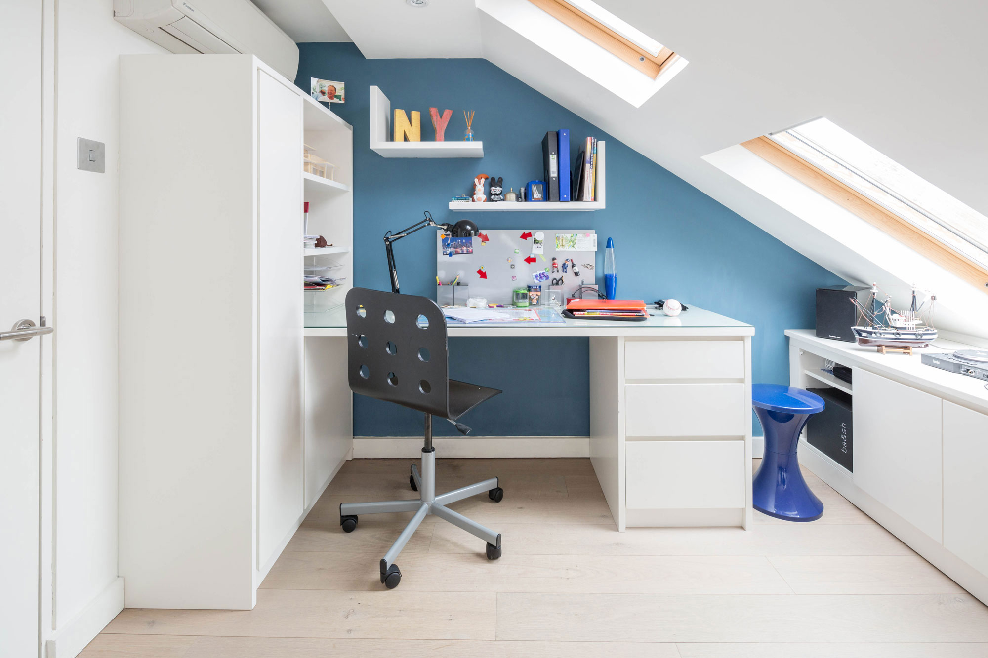south_developments_bespoke_home_office_furniture_London.jpg
