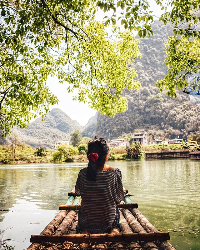 bamboo rafting in Guilin ⛰