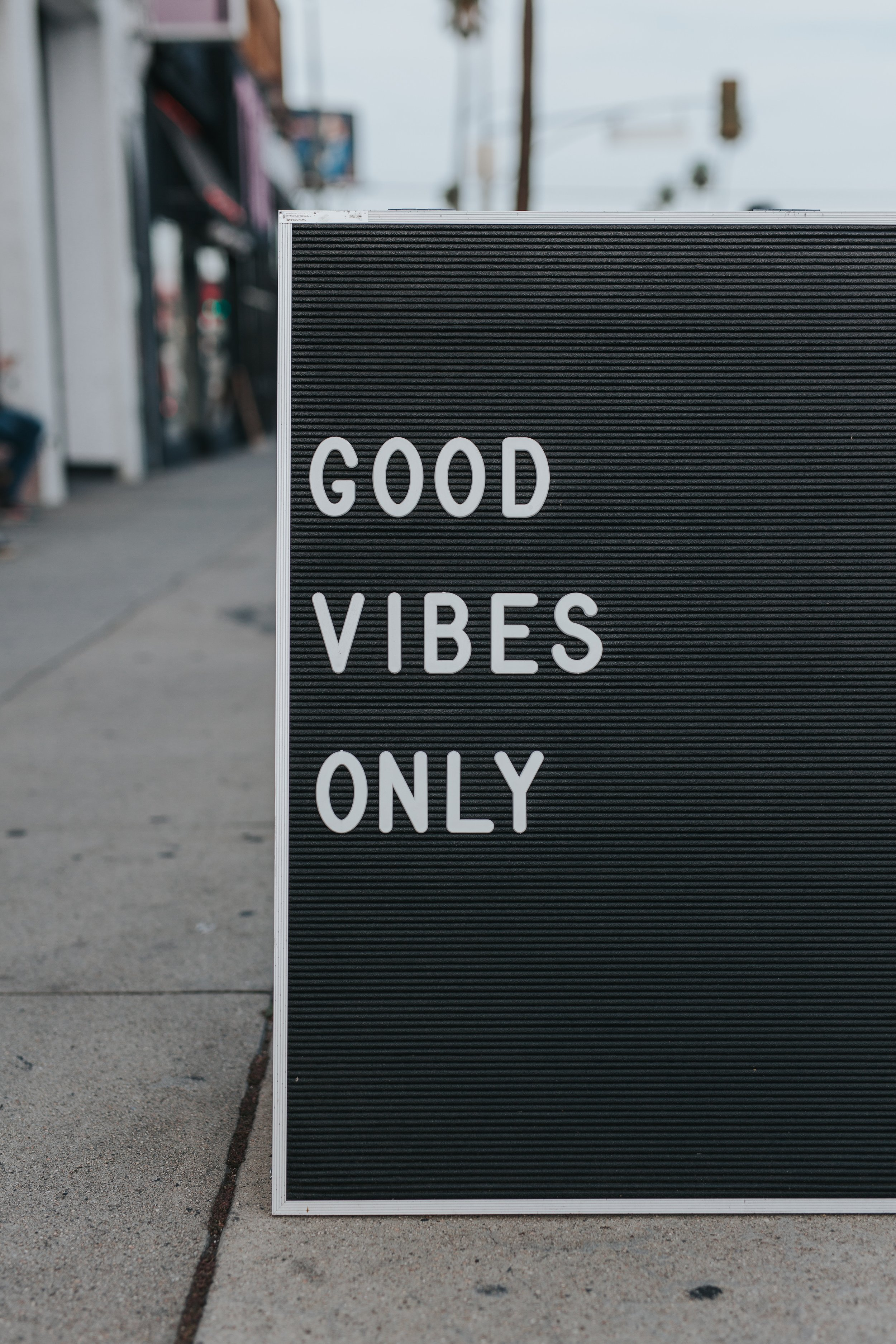 #rememberedpoetryslam good vibes for all! Photo by Mark Adrian on Unsplash