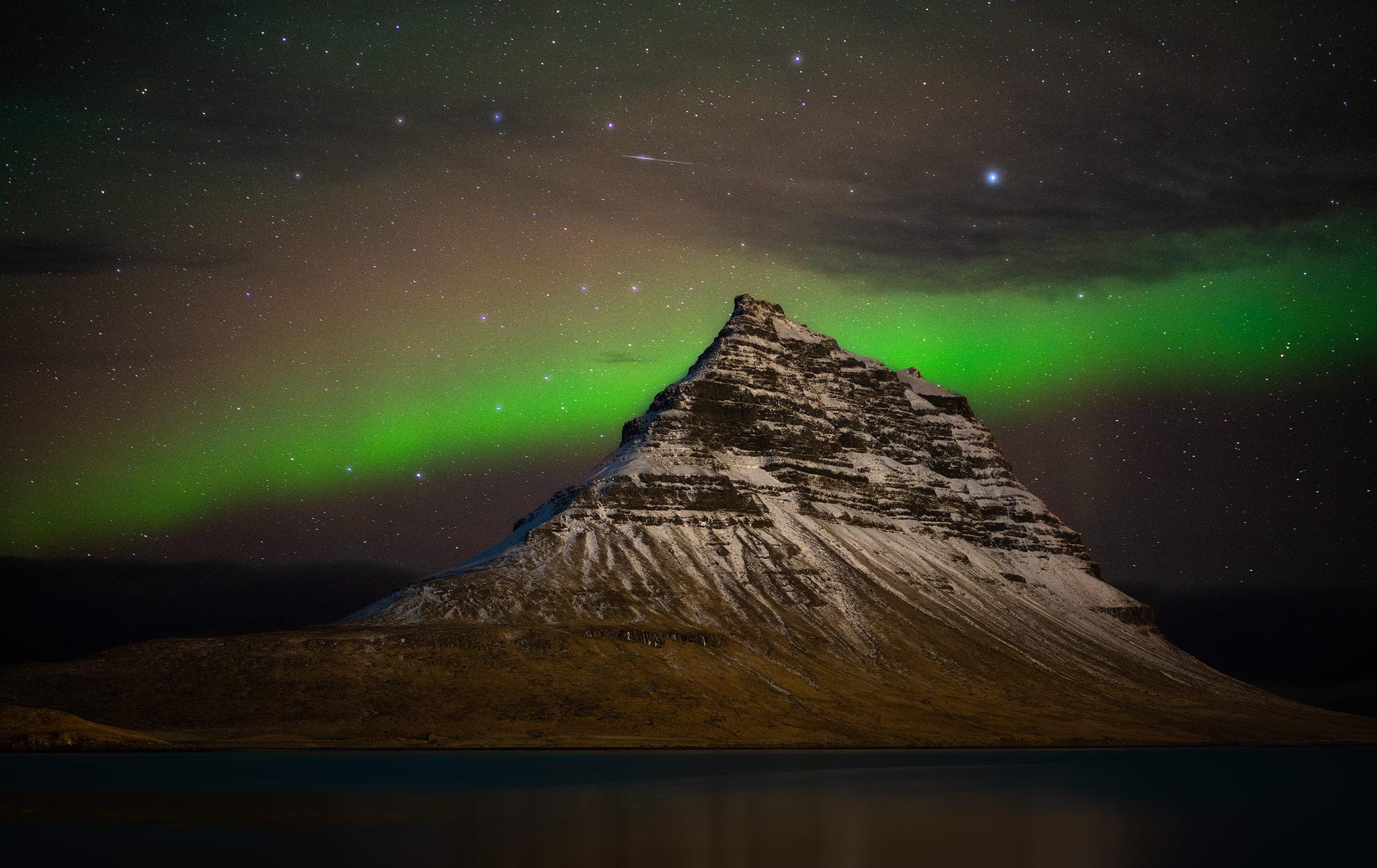 kirkjufell-mountain-glow.jpg