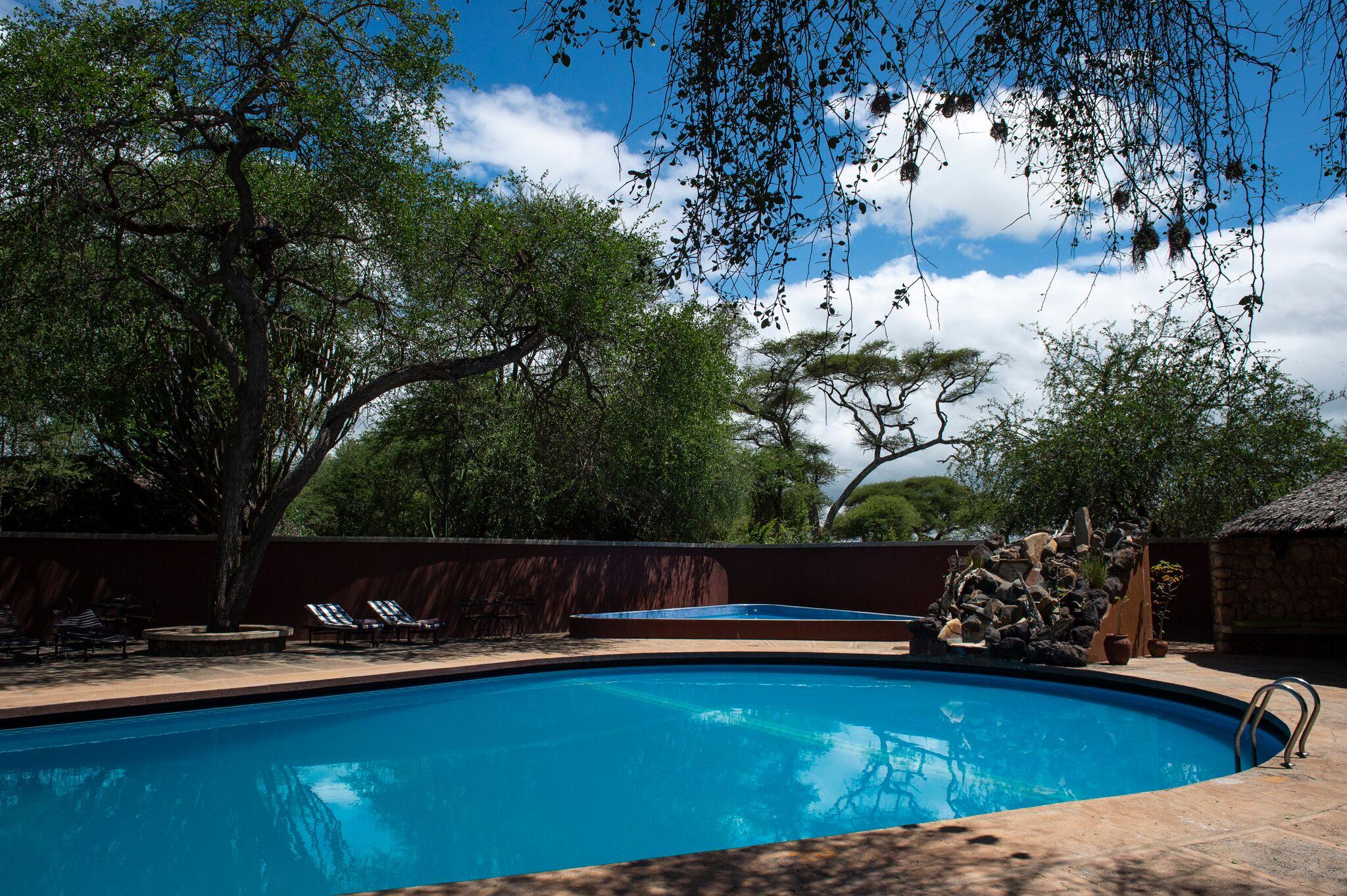 safari lodge2.jpg