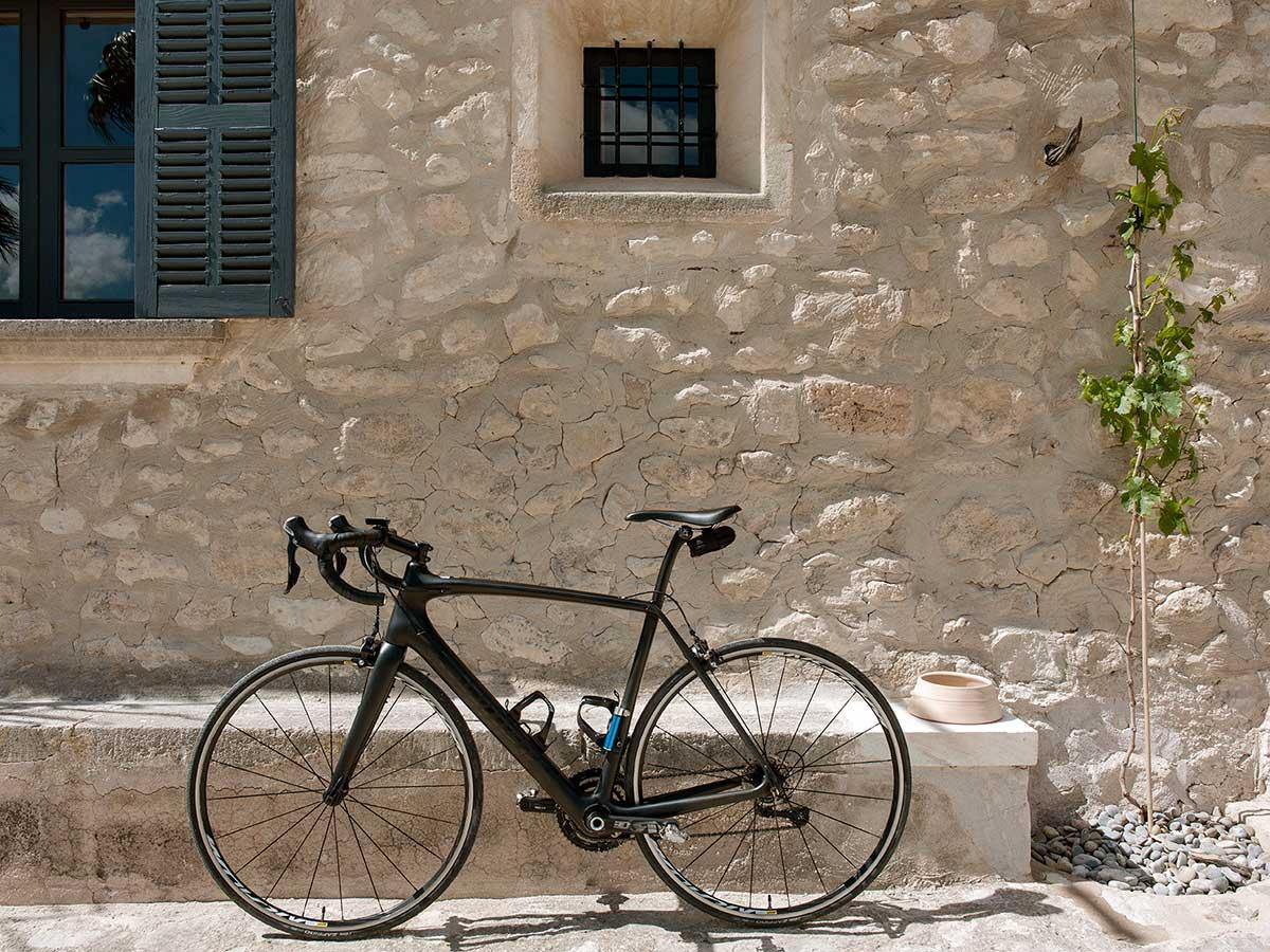 Facde-with-bike.jpg