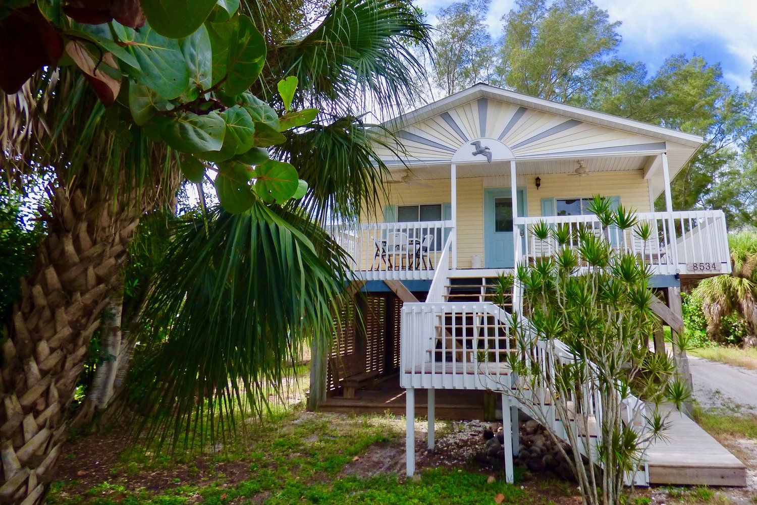 Island Sunrise - 3-Bedroom, 2 BathQUEEN, QUEEN, QUEEN WITH BUNK BED, SLEEPS 7