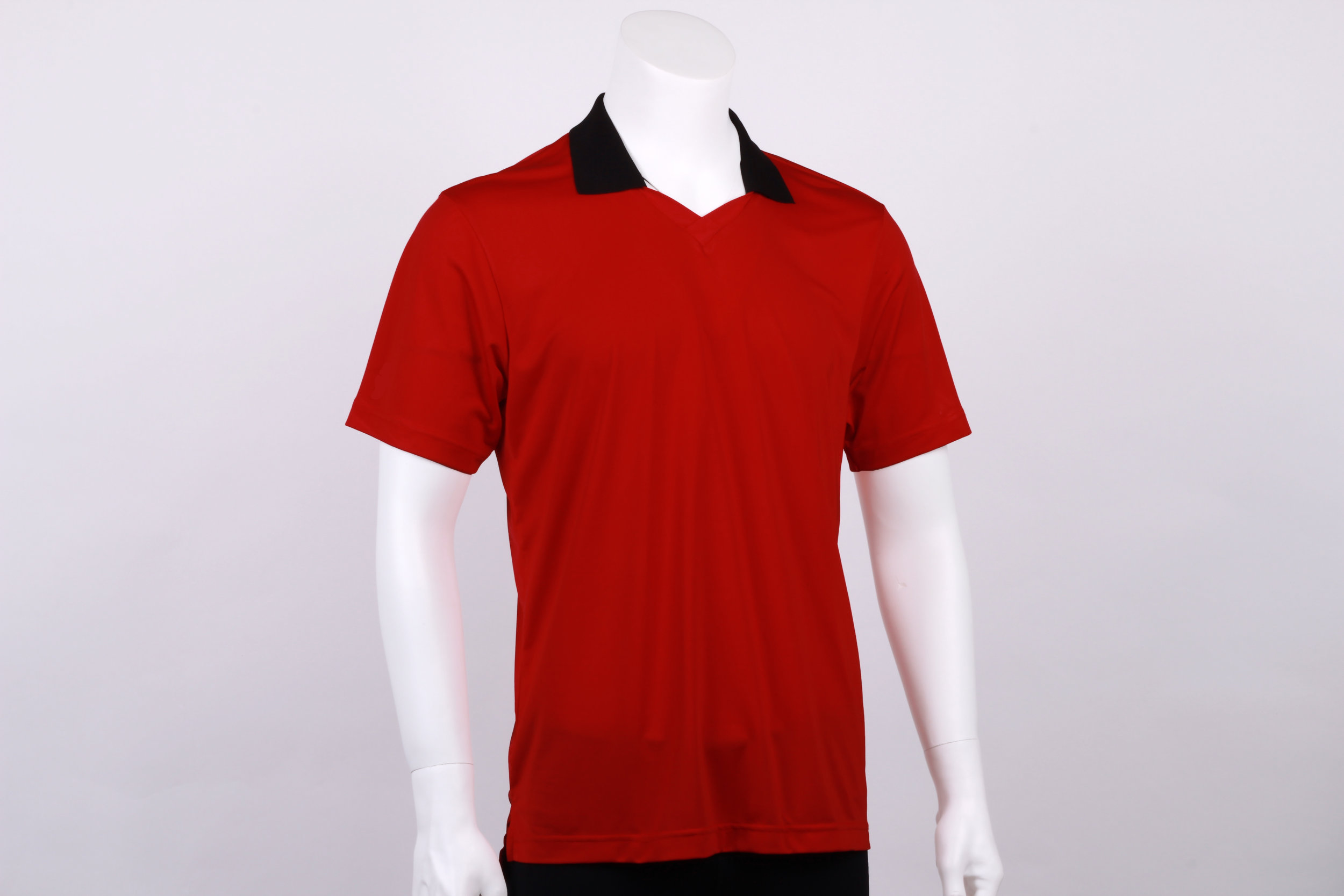 Sports polo with mini V neck