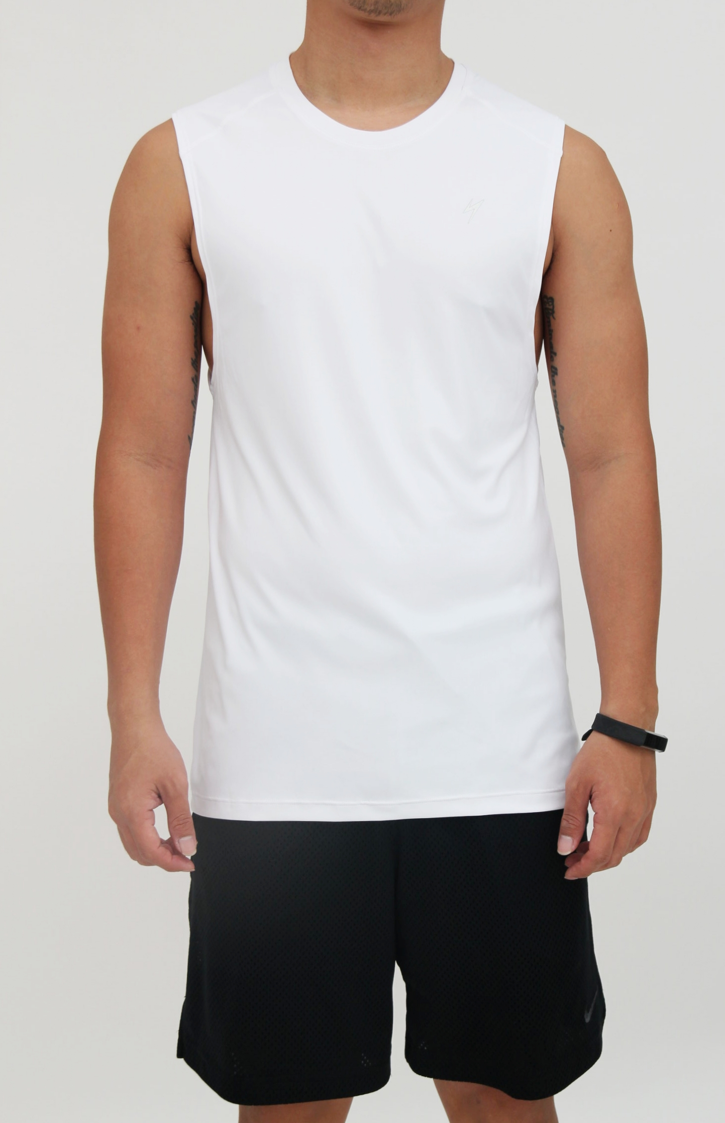 Men's top - Essential round neck muscle tank with low-cut armhole