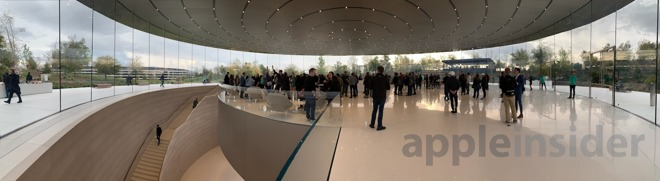 Entry pavilion of the Steve Jobs Theater