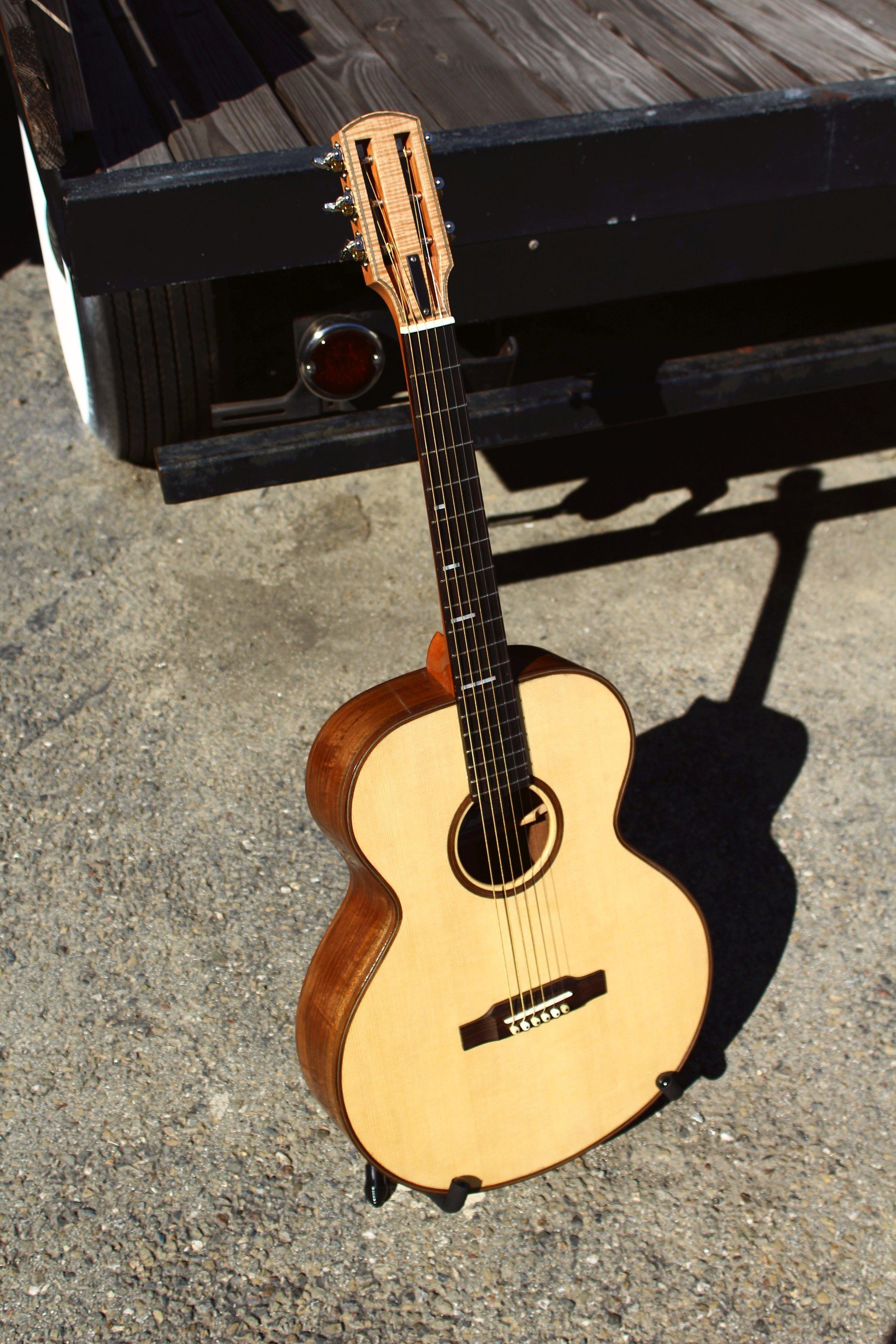 Queen city guitars rb-000