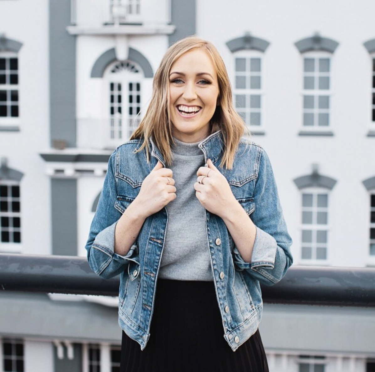 Sam Brown - Sam is a mindset coach for Perfectionists and runs a very successful Personal Development blog. Sam is also the host of her own Podcast and aims to help perfectionists get out of their own way and reach their potential.WEBSITE | PODCAST | INSTAGRAM