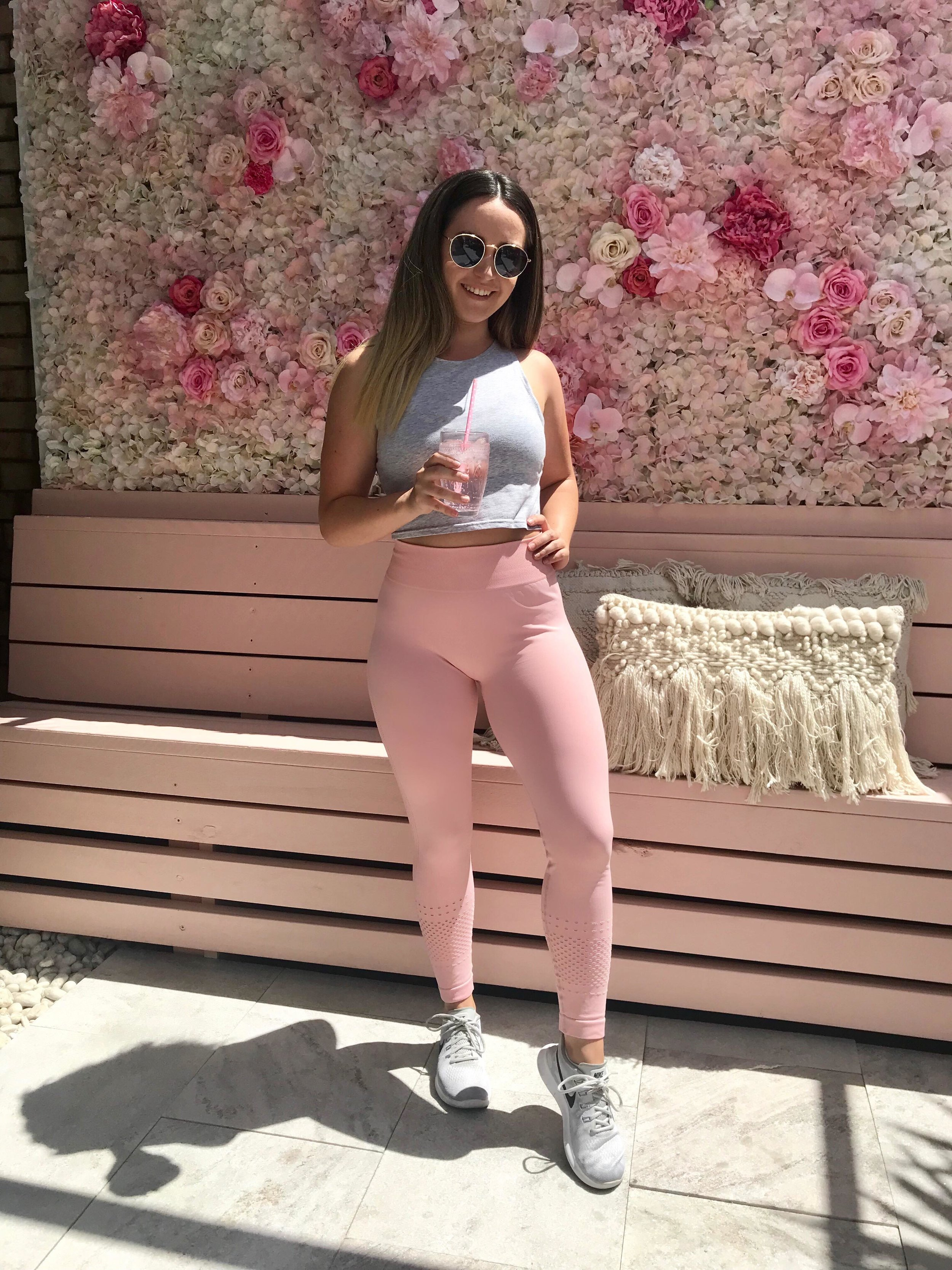 LJ McDonough - LJ is a PT with a degree in Exercise and Movement Science. She is passionate about helping young women feel confident in their own bodies and helps them reach their personal version of healthy.INSTAGRAM